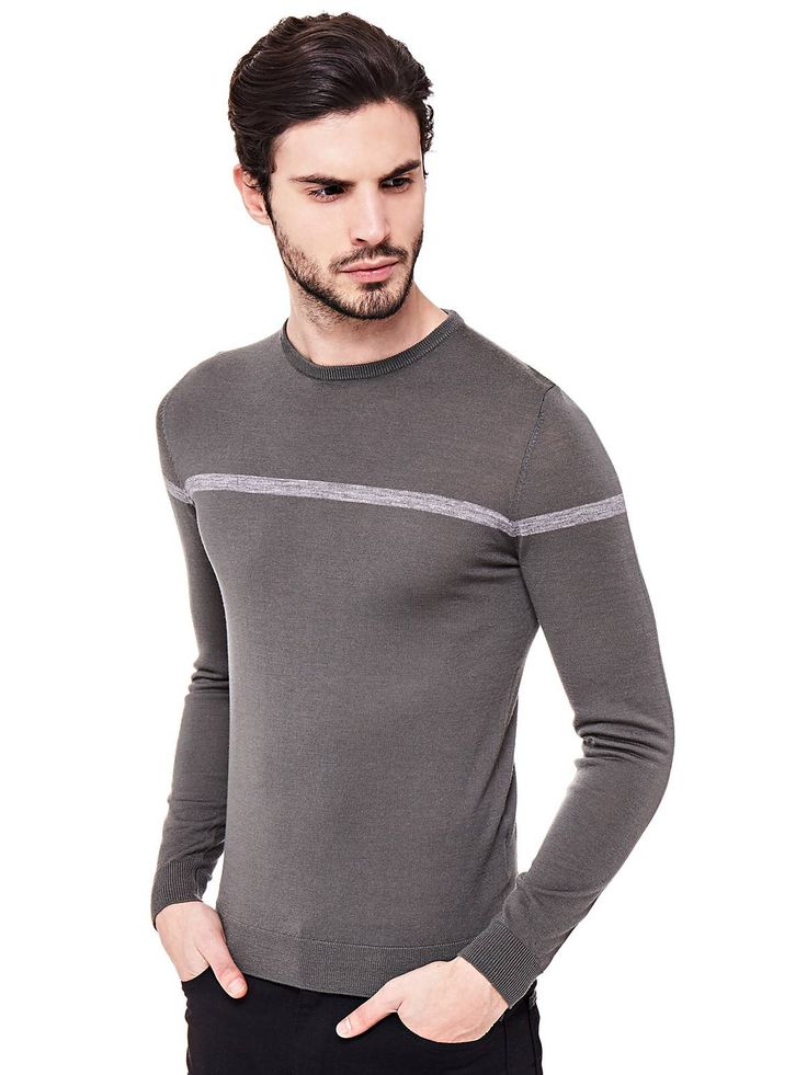The simple stripe detail on the chest adds an original note of colour to this wardrobe classic, adding some extra modern appeal and masculine allure to this wool sweater