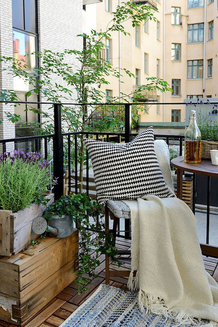 Best 25 Apartment balcony decorating ideas on Pinterest  Small balconies Apartment patios and