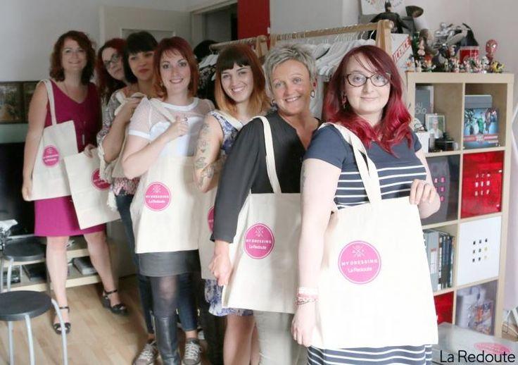 Toutes réunies pour une séance shopping entre copines lors du Moment #MyDressingathome !