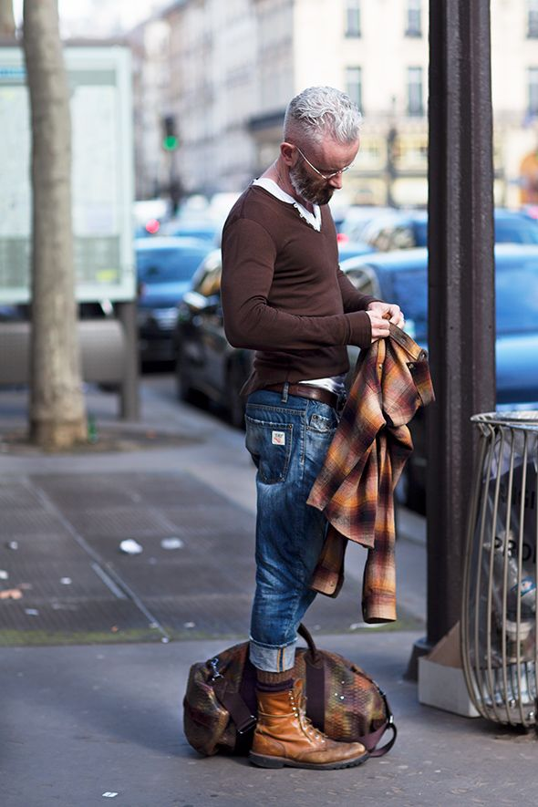 The Sartorialist / On the Street….Boulevard des Capucines, Paris // #Fashion, #FashionBlog, #FashionBlogger, #Ootd, #OutfitOfTheDay, #StreetStyle, #Style