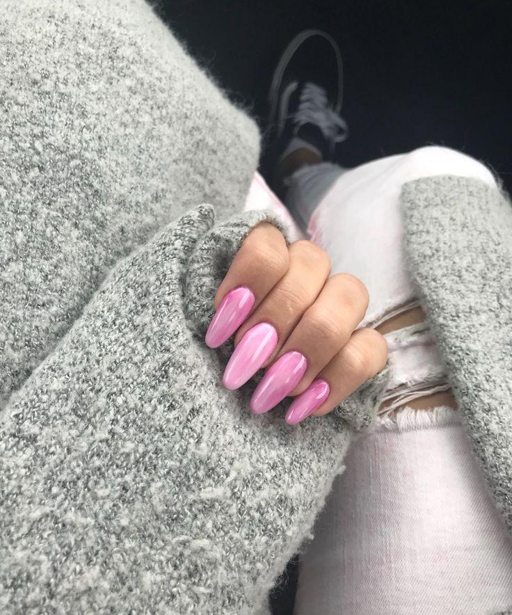 Pink gel nails marble