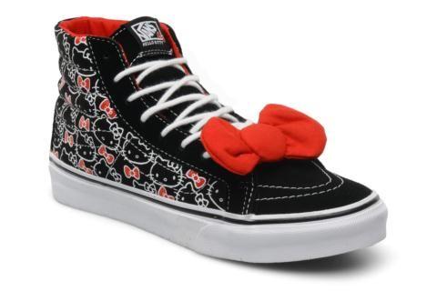 Vans fut créée en 1966 par Paul Van Doren. Le premier magasin de la marque était situé à Anaheim en Californie. C'est en 1976 que les skateboarders ont commencé à adopter les chaussures de la marque. Consciente du phénomène, la marque écouta leurs demande ...