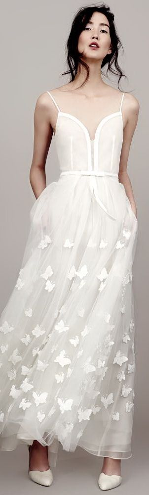 Kavier Gauche. women's fashion and bridal style. white chiffon/ tulle gown.  LOVE. wedding dress