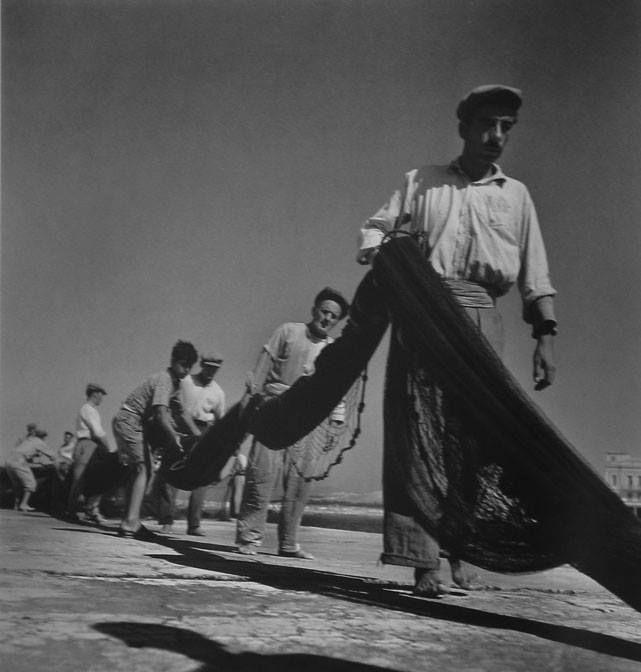 Αίγινα, 1950-55. Φωτ. Βούλα Παπαϊωάννου Φωτογραφικά Αρχεία Μουσείου Μπενάκη  Aegina island, 1950-55. Photo by Voula Papaioannou Benaki Museum Photographic Archives