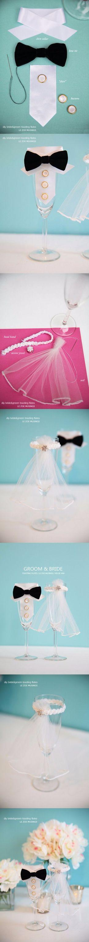 Vestidos miniatura para copas de novios / http://www.weddingomania.com/