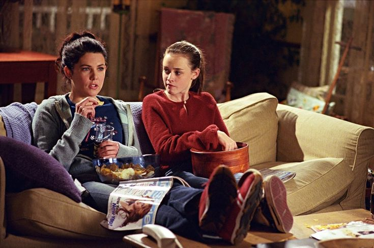 10 Decorating (And Life!) Lessons From The Gilmore Girls via @apttherapy