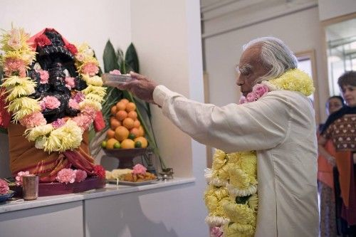 Happy Guru Purnima! Here's BKS Iyengar On The Relationship Between Yoga And Religion From A 2005 Interview