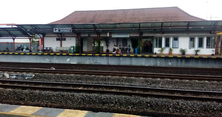 Stasiun Maguwoharjo Yogyakarta - Plesiran dan Kuliner