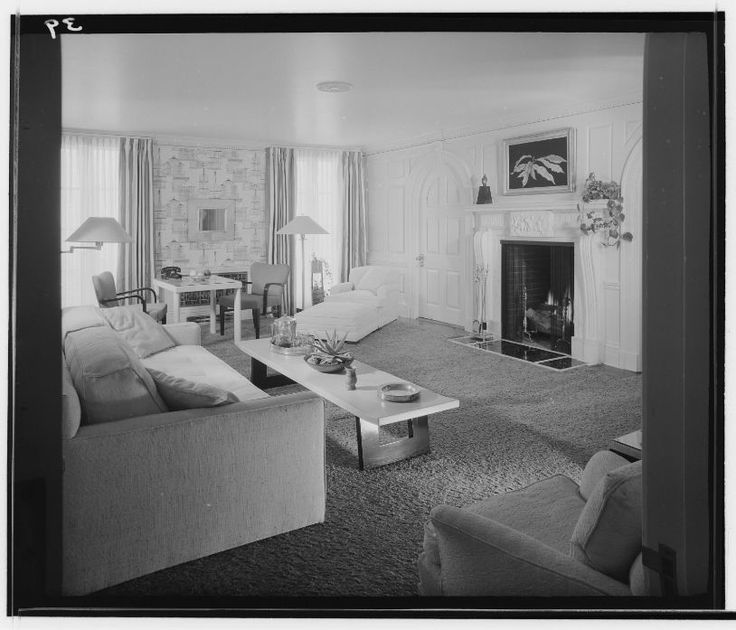 Ocean House Hotel - 1945-1956 living room of a hotel room suit - Huntington Library