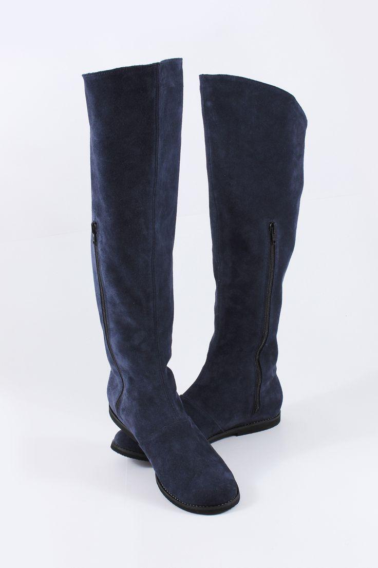 http://www.myfashionizer.ro/rochii-elegante/magazin-online/incaltaminte-dama/cizme-fara-toc-Mono-Shoes