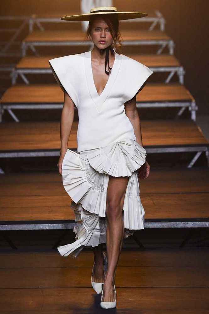 Jacquemus Ready To Wear Spring Summer 2018 Paris: 17 Best Images About Favorite Designer Paris/ Jacquemus SS