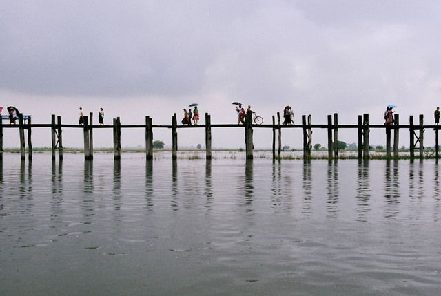 So many reasons for Myanmar to be on our wanderlist, but the U Bein Bridge in Amarapura, Mandalay is definitely one of them.