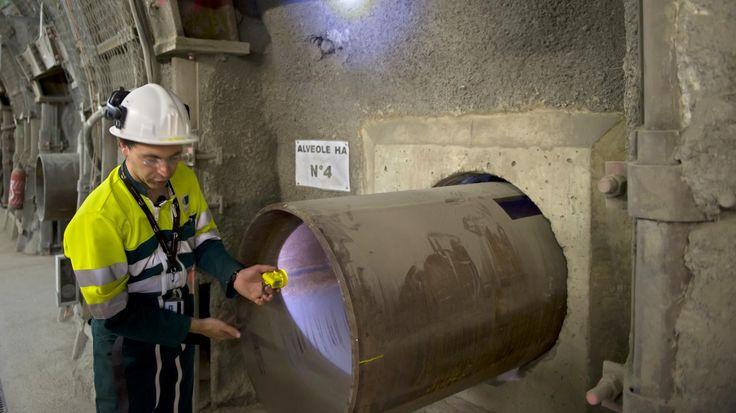 Des déchets qui resteront toxiques pendant plus de 100 000 ans !.. :-( ... http://www.francetvinfo.fr/societe/nucleaire/dechets-radioactifs-une-solution-dans-la-meuse_1992069.html?utm_content=bufferdb519&utm_medium=social&utm_source=plus.google.com&utm_campaign=buffer