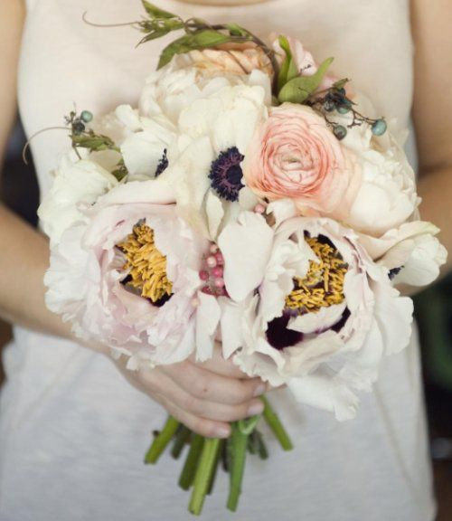 : White Flowers, Flowers Bouquets, Bridal Bouquets, Wedding Bouquets, Colors, Wedding Flowers, Poppies, Bouquets Wedding, Pink Peonies