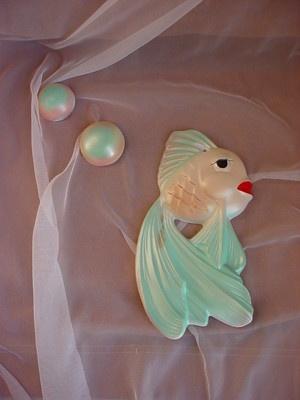 21 best vintage wall decor images on Pinterest | Vintage mermaid ...