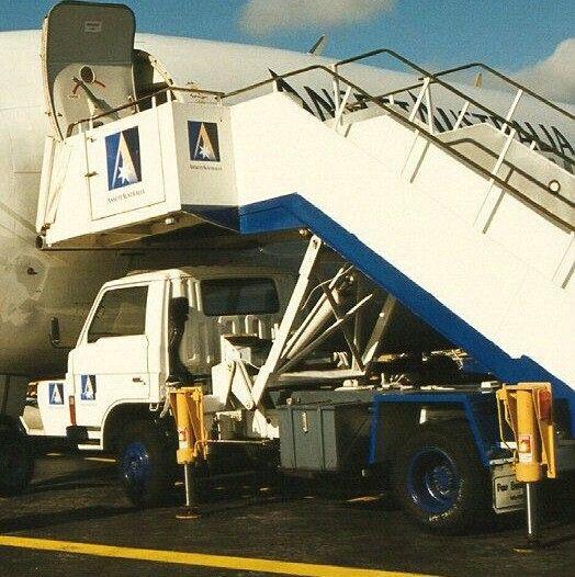 Ansett Australia Mobile Airstairs