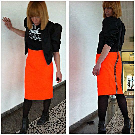 pencil skirt neon orange collection 2012 http://upper-palatinate-rocks.blogspot.de/2012/10/bleistiftrock-segeltuch-neonorange.html