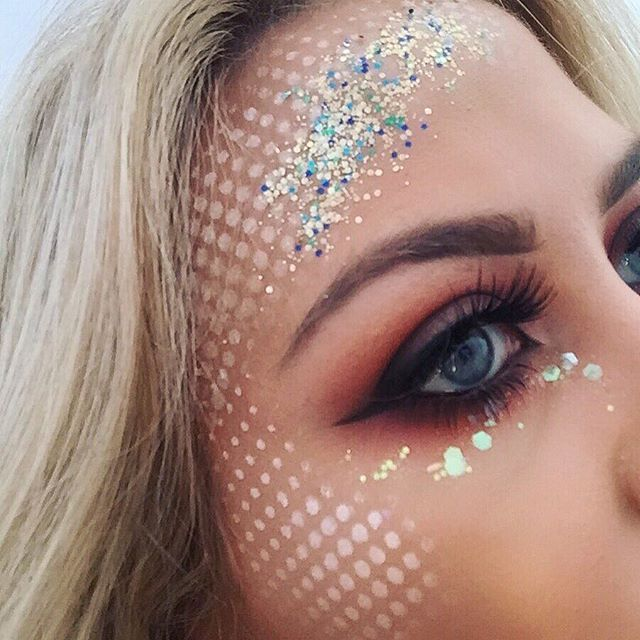 We love how @jademullett has used our chunky glitter sets here and recreated one of our original #GoGetGlitter designs✨🙌🏻 #makeup #mua #makeupartist #fashion #fashionpr #makeupblogger #festival #festivalmakeup #festivalfashion #halloween #trend #event #blogger