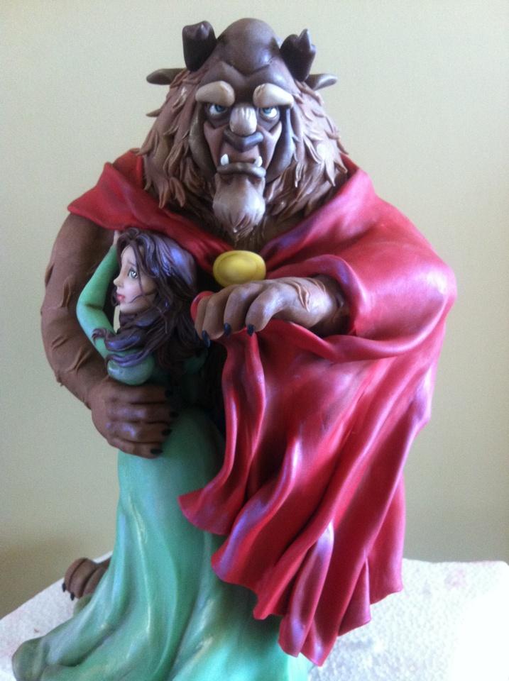 Beauty and the Beast by Flávia Nóbrega (cold porcelain)