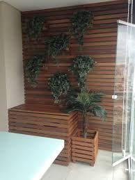 Resultado de imagem para varandas cobrindo as caixa de arcondicionado como bancos de madeira