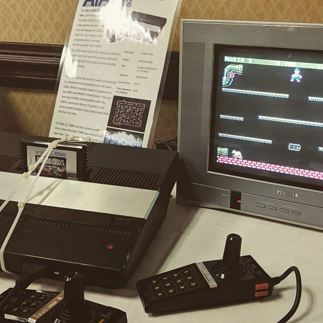 Mario Bros on a 5200 is kinda weird. And jump wasn't working I guess so @poprewind was just running and trying to hide in the pipes. #louisville #arcadeexpo #console #atari #5200 #atari5200 #nintendo #mariobros #acoriginals