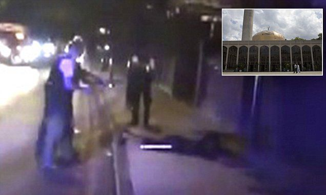 Police Taser a man outside Regents Park Mosque #DailyMail