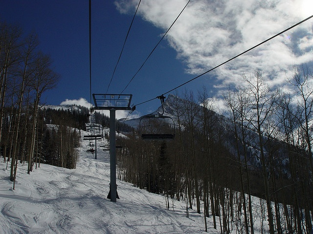Crested Butte ski lift... For more info on vacation rentals and our GREAT DISCOUNTS on ski rentals and tickets in CRESTED BUTTE and ASPEN, COLORADO, visit http://www.greatcrestedbuttelodging.com/