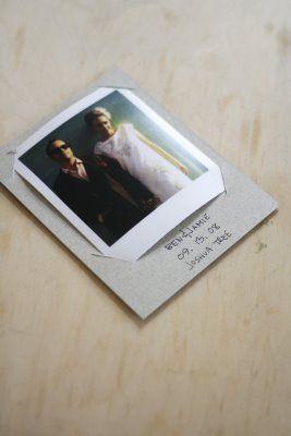 Nous aimerions insérer comme ceci les polaroids aimantés que nous avions pour le save the date