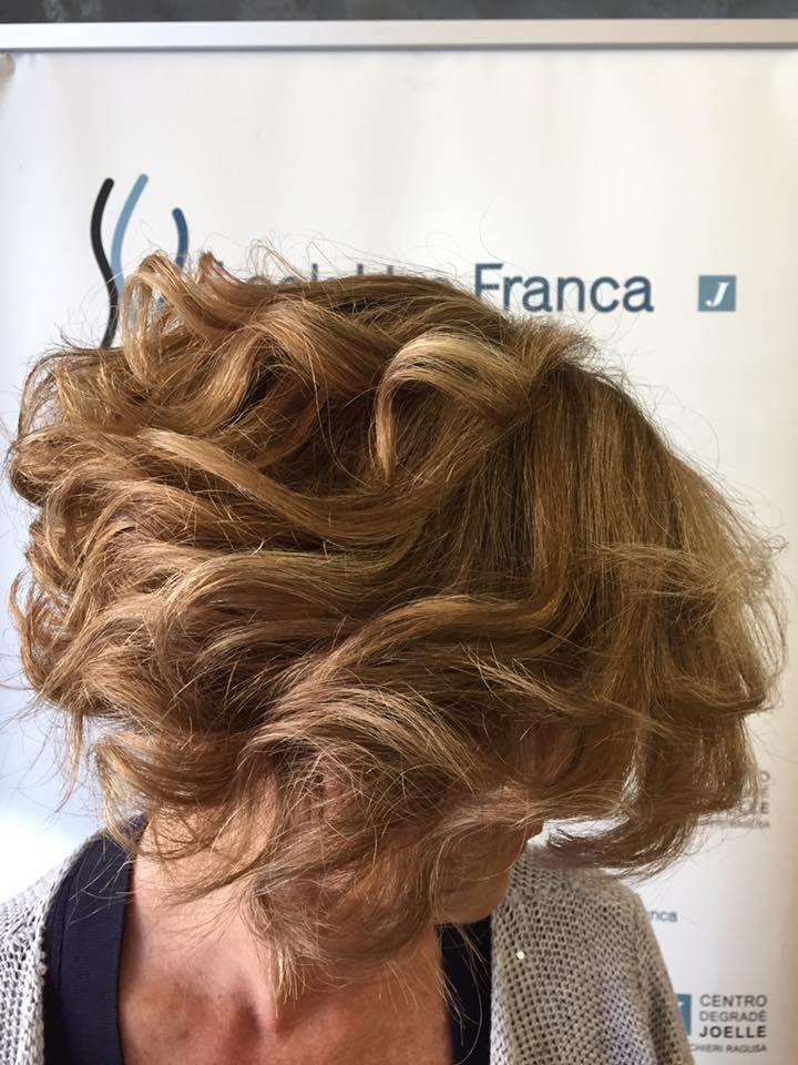 #centrodegradèjoelle #looklive #parrucchierafranca #ragusa #viadeimirti29 #longhair #cdj #capelli #degradèjoelle #wella #j #waves #centroautorizzato #haircolour #certificato #blonde #sfumature