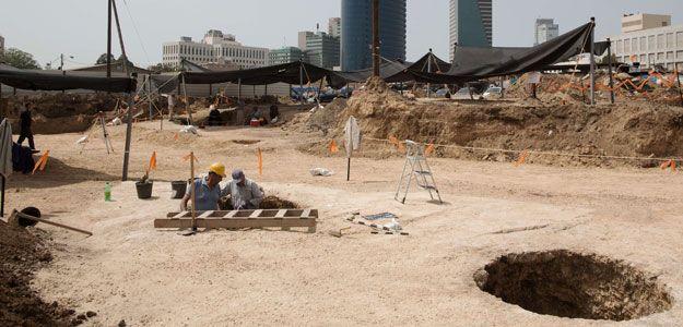 Las excavaciones sacaron a la luz 17 pozos que sirvieron para el almacenaje de producción agrícola y la fabricación de cerveza hace 5.000 años.