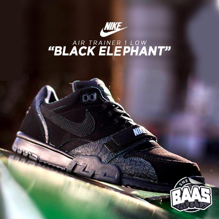 """Nike Air Trainer Low 1 ST """"Black Elephant""""   Now online!   http://www.sneakerbaas.nl/sneakers/air-trainer-low-1-st-black-anthracite.html   #NIKE #TRAINER #BAASBOVENBAAS #SNEAKERBAAS   637995-002"""