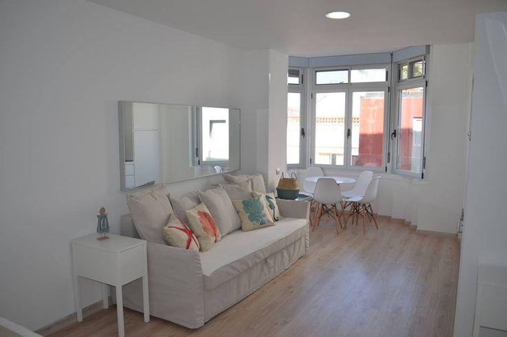 Échale un vistazo a este increíble alojamiento de Airbnb: Moderno estudio con vistas a la playa - Apartamentos en alquiler en Las Palmas de Gran Canaria