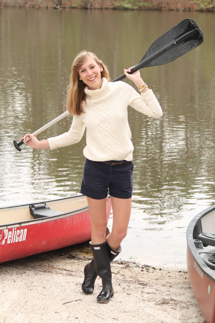 Fun day of boating   chinos, rainboots, jcrew, preppy boating outfit, preppy canoe outfit  www.dailydoseofprep.com