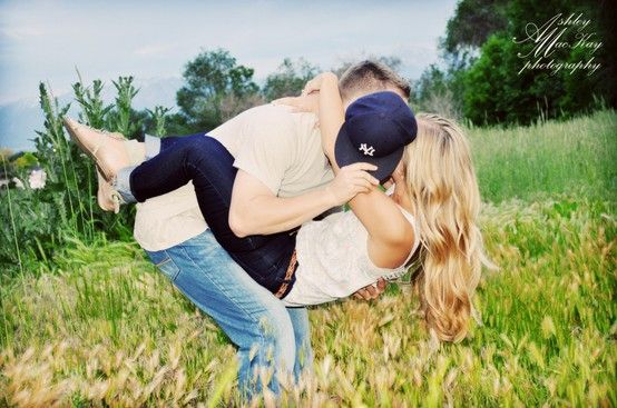 A bunch of cute engagement pictures...