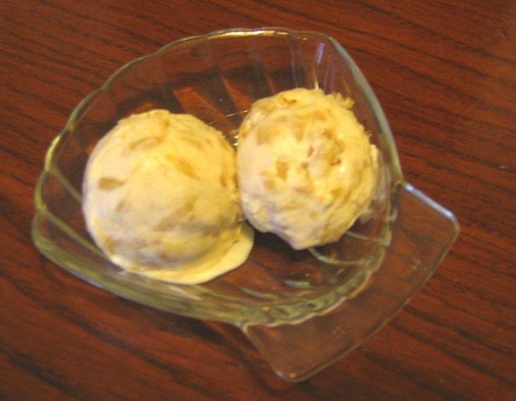 Crème glacée aux pommes caramélisées
