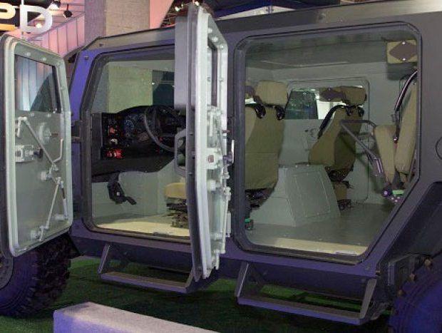Nem todo carro que está exposto no 29º Salão do Automóvel de São Paulo, que vai até dia 20, pode ser comprado. É o caso do Gladiador 2, desenvolvido pelo...