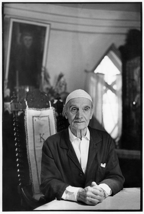 Henri Cartier-Bresson - Soviet architect, Constantin Melnikov, at home. Moscow 1972