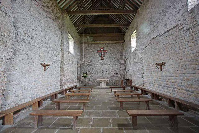 """Chapel of St Peter's on the Wall Bradwell on sea Essex 7th Century  Wikipedia images"""
