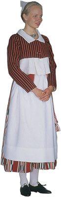 Mäntyharjun seudun naisen kansallispuku. Kuva © Suomen kansallispukuneuvosto, Timo Ripatti 1991