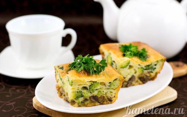 Простая и вкусная несладкая выпечка с грибами и овощами. Ингредиенты:   200 мл кефира (или натурального йогурта) 120 г муки 2 яйца 200 г брокколи (свежей или замороженной) 200 г грибов (шампиньонов) …