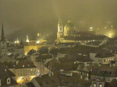 DNES ANGLICKY: Old Town Square  Staroměstské náměstí is a histori...