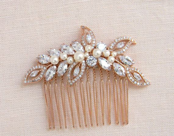 Ive created this stunning hair comb using Swarovski Pearls and crystals and a soft flowing rose gold tone setting.  This hair comb has been