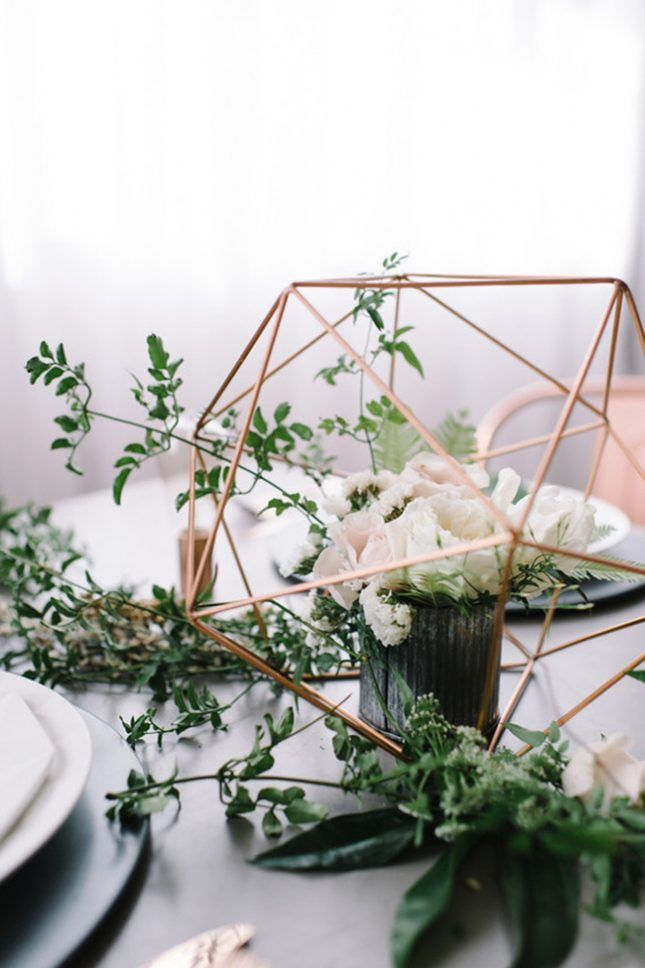 17 On-Trend Floral Arrangements for Minimalist Weddings via Brit + Co