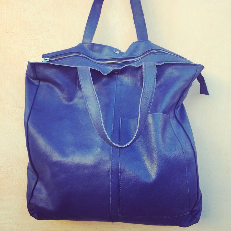 Borsa in pelle blu cobalto firmata fusioni , la shopping vintage  www.cenerentolacuneo.it