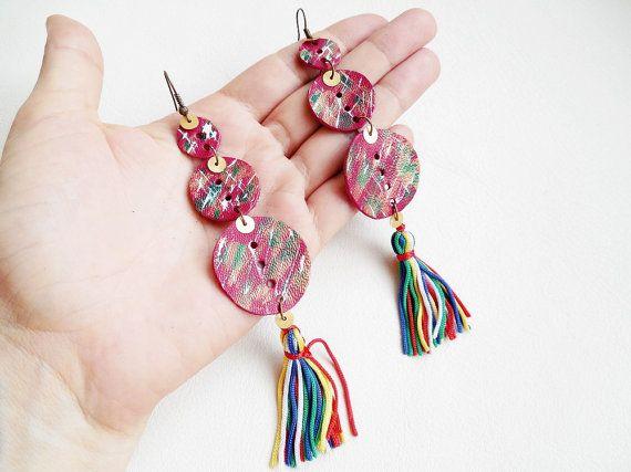Tassel earrings Gipsy earrings Painted leather by spiculdegrau