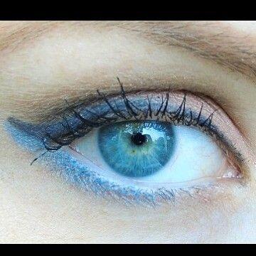 http://www.youtube.com/channel/UCqEqHuax3qm6eGA6K06_MmQ?sub_confirmation=1 Morgen de review van deze oogpotloden  #misssporty #eyepencil #makeup #review #newblogpost #blog #blogger #beautyblogger #dutchblogger by beautyonthefarm