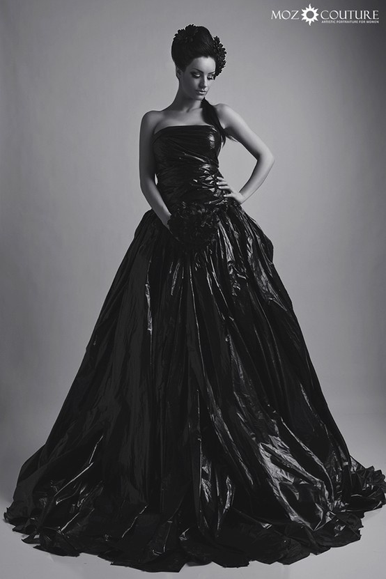 Craig Lamere Moz Studios - Fashion Photography - Rubbish Theme, Recycled Dress - http://couture.mozstudios.com
