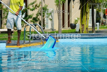 Basen, czyszczenie basenu