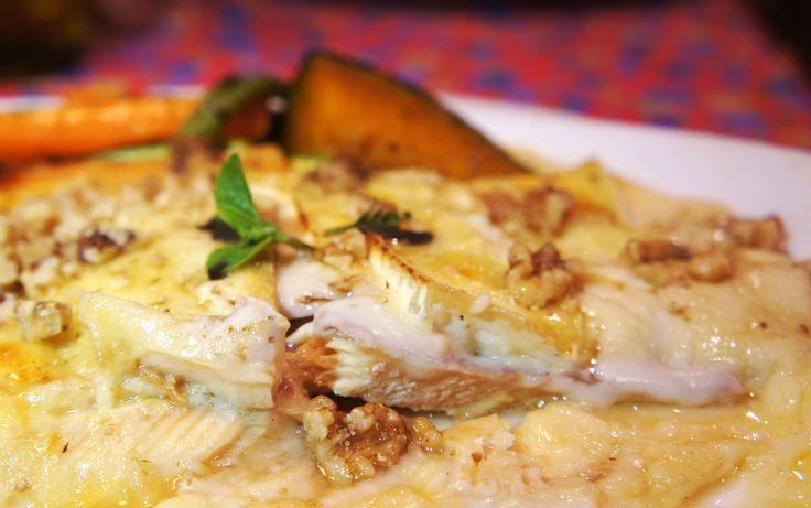 Truta defumada ao Brie, nozes e mel do Restaurante Donna Pinha em Santo Antonio do Pinhal - leia sobre minha visita no site.Cozinha