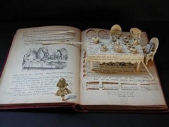 Alice - amazing booksculpture by Su Blackwell #alice #wonderland #sublackwell